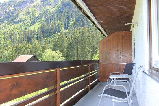 Entrance - Picture of Kleinwalsertal Lodge, Mittelberg - Tripadvisor