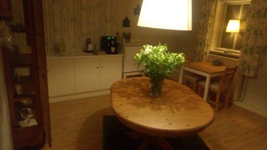 Markelo, The Netherlands: Ontbijt kamer en gasten salon.