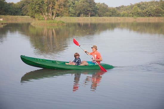 Anamaduwa, Sri Lanka: Kayaking on the Yoga Temple Tank