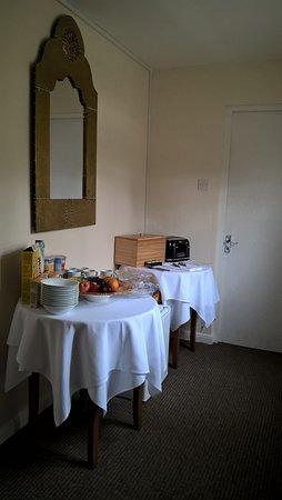Rolleston, UK: DIY breakfast table