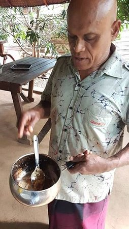 River Glamping by Gaga Bees : Best cook teaching how to recreate his recipes - best Brekkie we've had in Sri Lanka