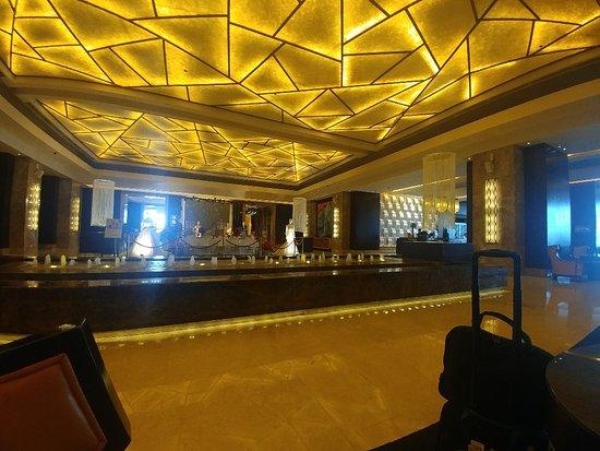Crimson Hotel Filinvest City, Manila-bild