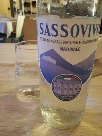 Sant'Eraclio, Italien: Acqua a km0 (Sassovivo è un'antica fonte appena sopra Foligno)