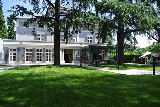 Ecully, France: La Maison d'Anthouard