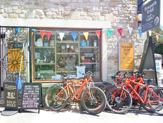 Bradford-on-Avon, UK : Front of shop