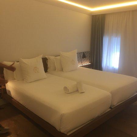 Hotel One Shot Palacio Reina Victoria 04 Photo