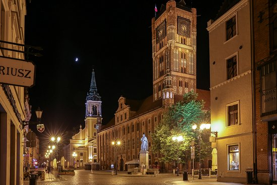 Town Square - Old Town: Town square at night.
