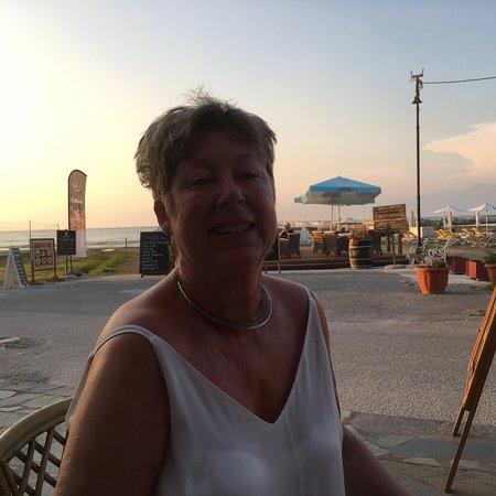 Crusoes Pub Cafe: photo1.jpg