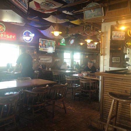 Quinn's Lighthouse Restaurant and Pub: photo1.jpg
