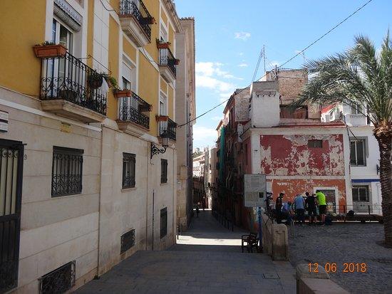 barrio santa cruz colorful houses