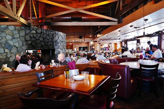 Dining room for Glacier Brewhouse
