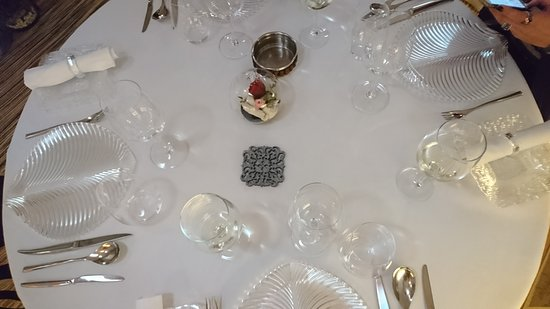 Regi Jatetxea: mesa
