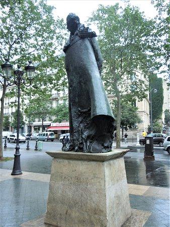 Statue de Leon Blum