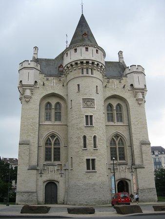 29b5c5e64533 Veduta della porta - Picture of Porte de Hal, Brussels - TripAdvisor