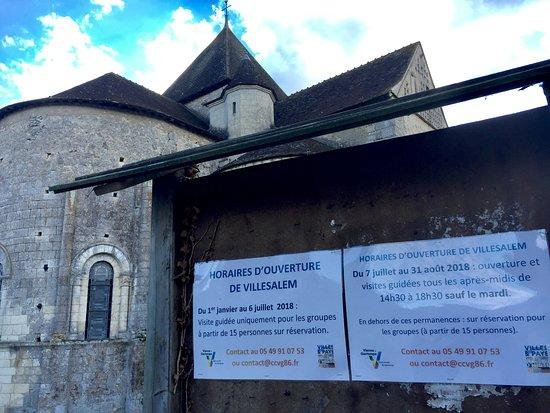 Journet, Frankreich: Un monument rare et difficile à approcher