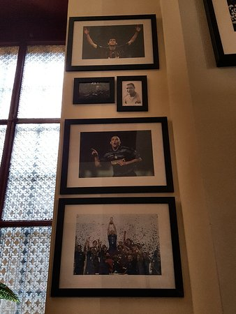 Ristorante hall of fame sport bistrot in milano con cucina americana - Cucina americana milano ...