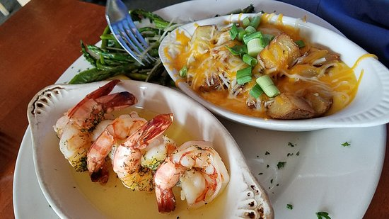 Victoria, MN: Shrimp skampi, Vic House
