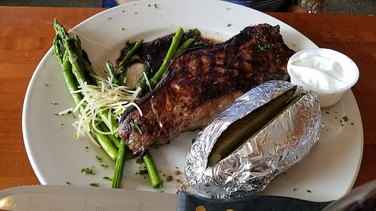 Victoria, MN: Strip Steak,  Vic House