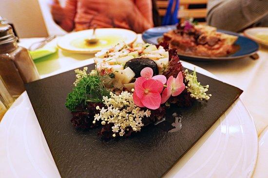 Pri Skofu : Beautiful (and fully edible) food