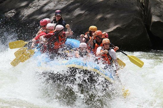 Oak Hill, WV: Rafting down the New River