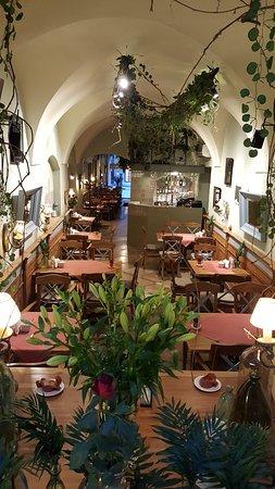 Marmoloda restaurant