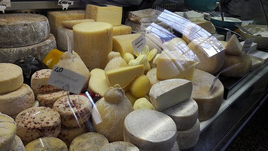 Saras Italy: The cheese of the valley have traditional recepies
