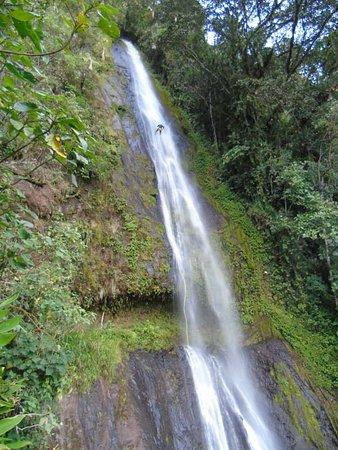 Antioquia Department, Colombia: canyoning con uno de nuestros visitantes