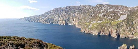 Carrick, Irland: Slieve League Pano 2