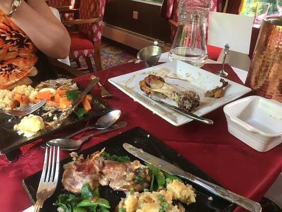 Hallatrow, UK: Our main course of pork hock, which we realised we hadn't taken a photo of 😂