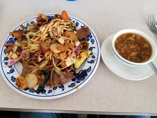 Graham, WA: Buffet and Sweet and Sour soup