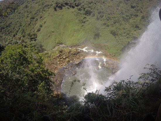 Dipartimento di Antioquia, Colombia: El salto del buey, entre la ceja y abejorral, 2 horas de medellin