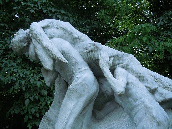 Statue l'Accident de Carriere