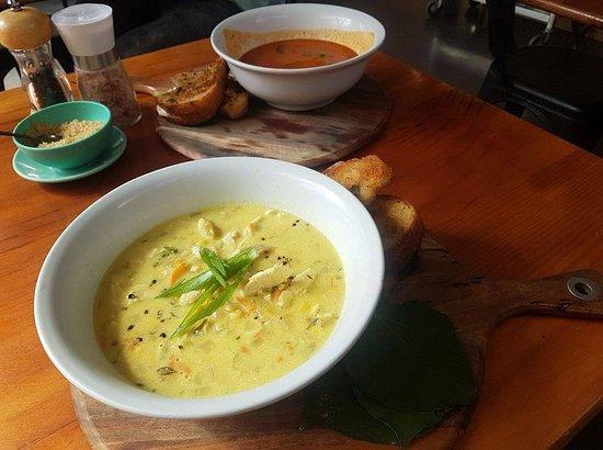 Great Barrier Island, Nueva Zelanda: Winter Soups: Chicken, Corn and Kawakawa Chowder