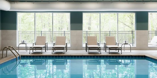 Clear Spring, MD: Indoor Heated Pool