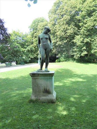 Statue La Purete