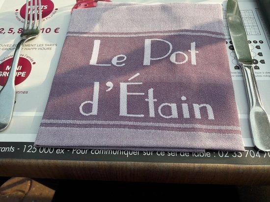 Holnon, Francia: Serviette en tissu