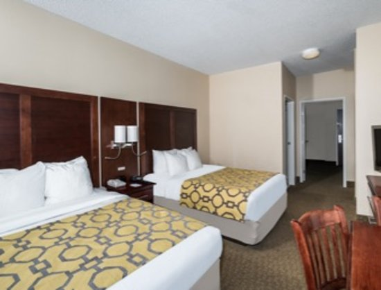 Cordova, TN: Two Queen Beds Two rooms Suite