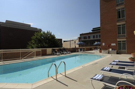 Hampton Inn Alexandria - Old Town/King Street Metro: Pool