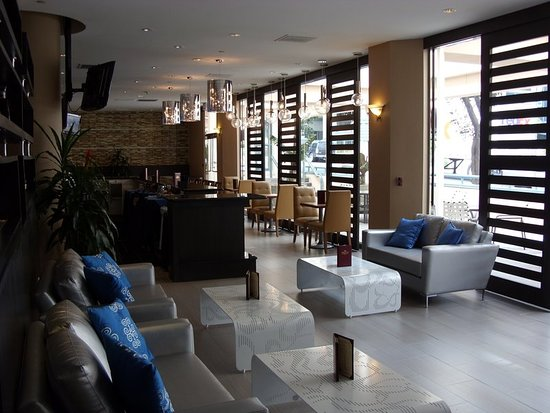 Crowne Plaza Los Angeles Harbor Hotel: Bar/Lounge