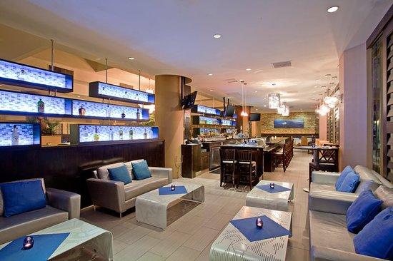 Crowne Plaza Los Angeles Harbor Hotel: Restaurant