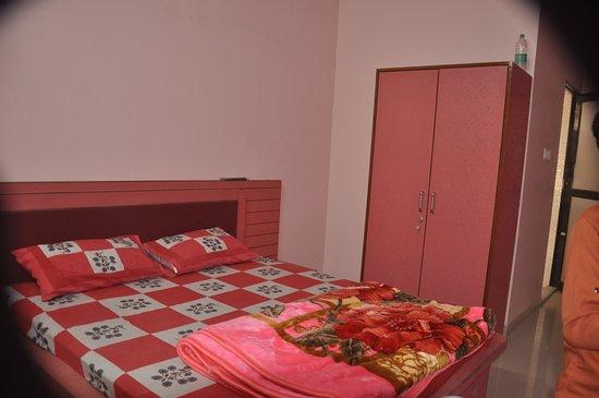 Sujangarh, India: Khatri Hotel