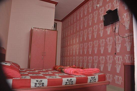 Sujangarh, อินเดีย: Khatri Hotel
