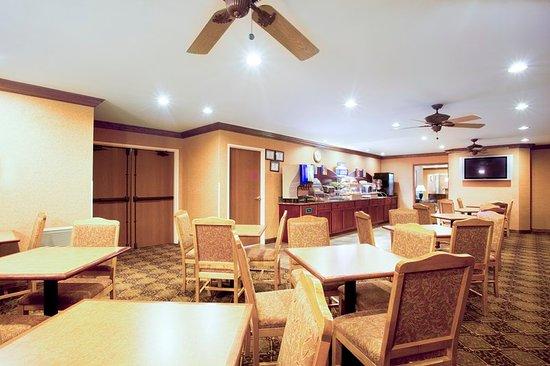 Vernon Hills, IL: Restaurant