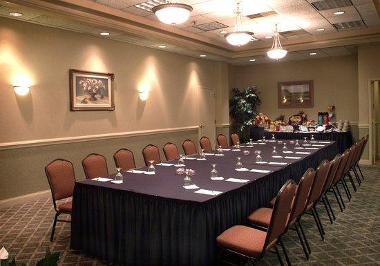 New Hartford, نيويورك: Meeting room