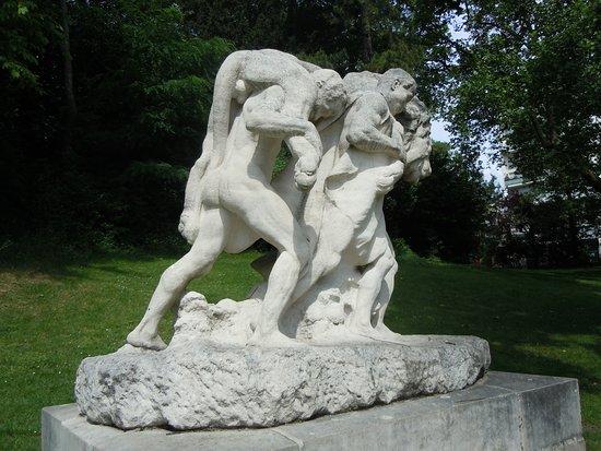 Statue La Mort du Lion