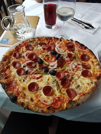 Riesenpizza