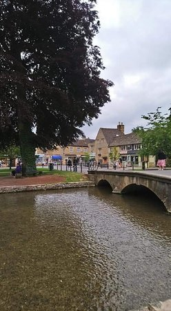 ‪Bourton on the Water‬