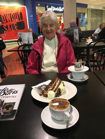Marion, Australia: Yummy cake!