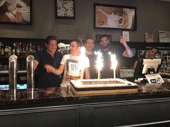 Cambiago, Italy: Terzo compleanno So Good Burger Shop & Beer