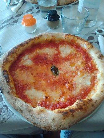 Pizzeria Dalila: pizza con bufala